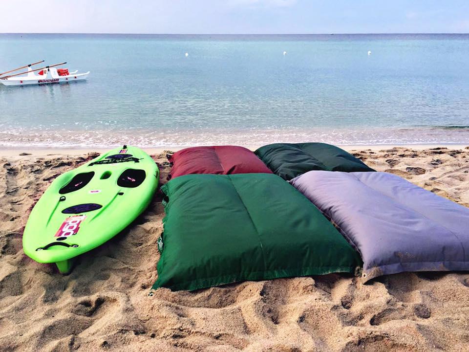 Togo bay beach cuscini galleggianti Pomodone